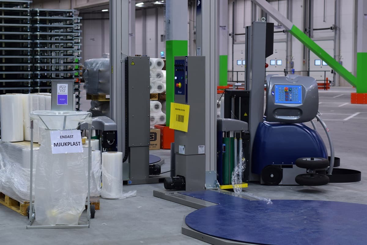 Stor invigning av IKEA:s nya e handelslager Ehandel