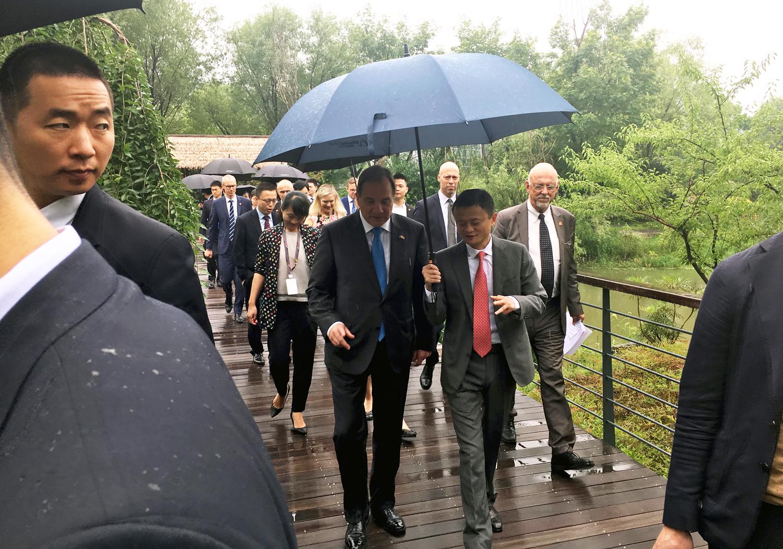 """Jack Ma till Löfven: """"Vill se tusentals svenska märken på våra plattformar"""""""
