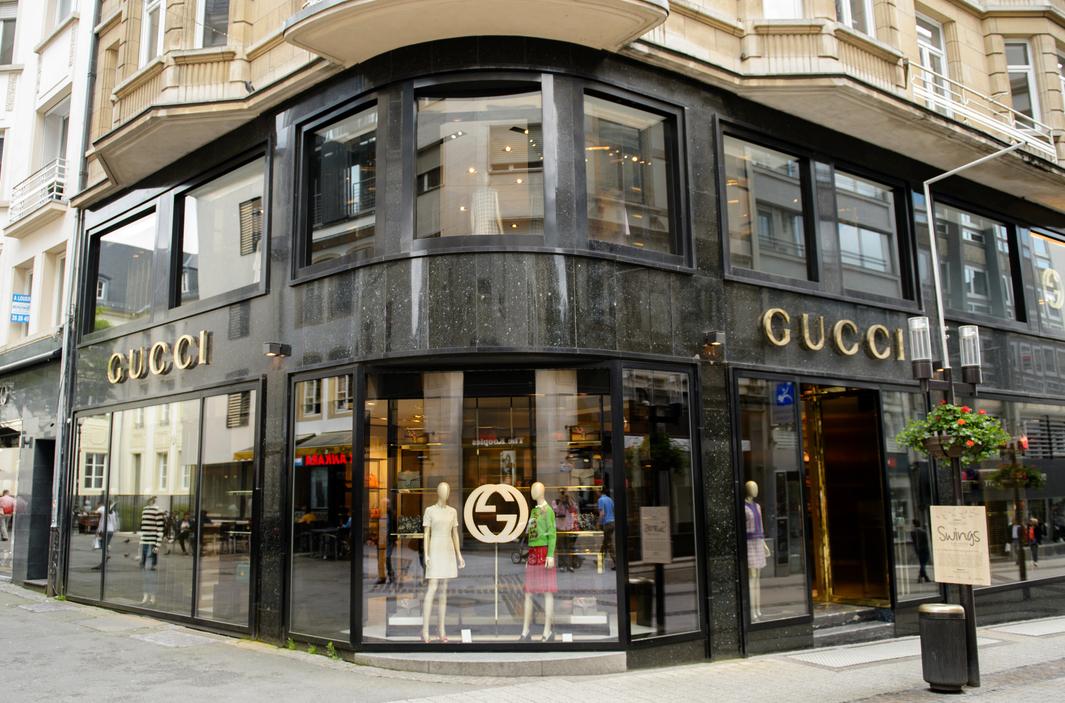 Gucci rättar in sig i ledet - öppnar egen e-handel i Kina