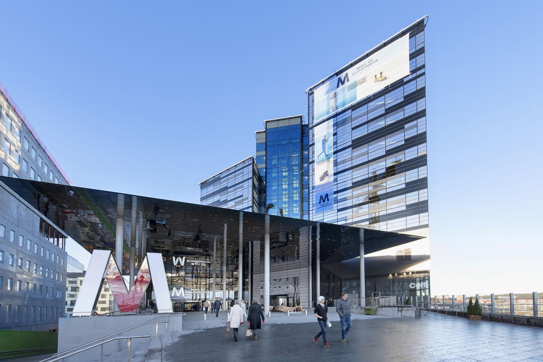 E-handeln tar över Sveriges köpcentrum
