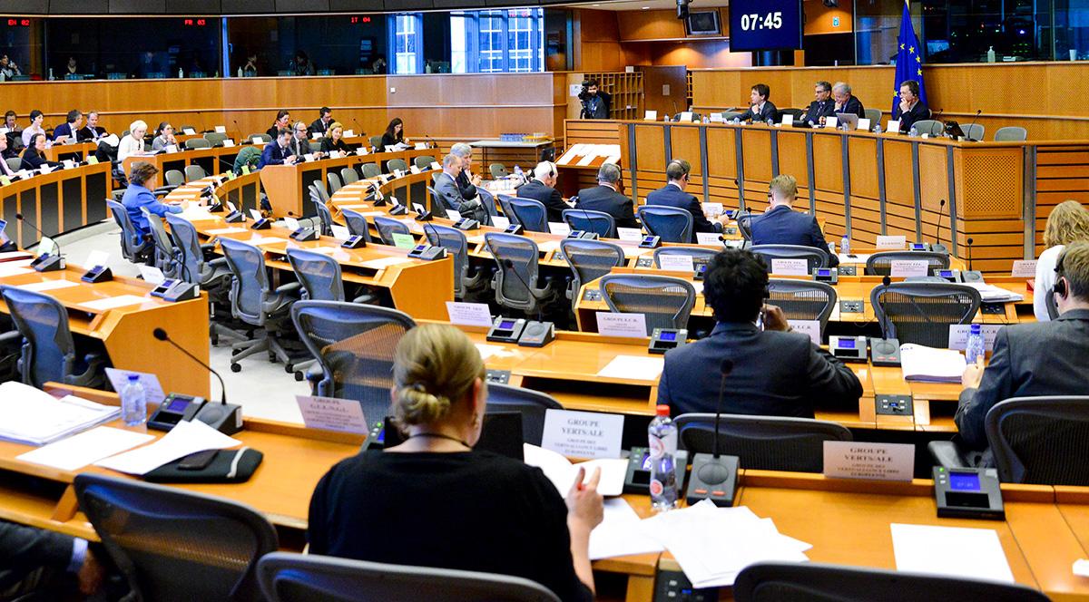 EU-ministrarna träffas för toppmöte om e-handeln