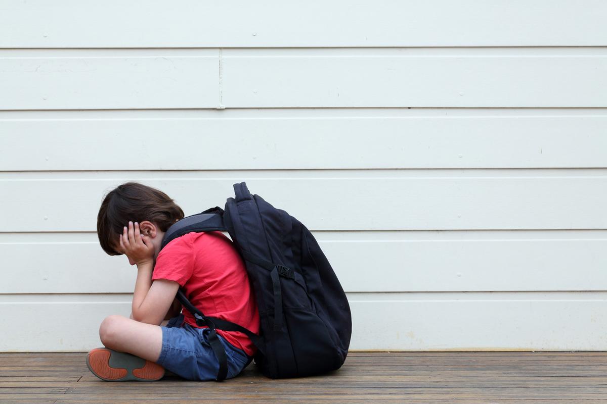 Lager 157 tar action - skänker bort kläder till 500 skolbarn