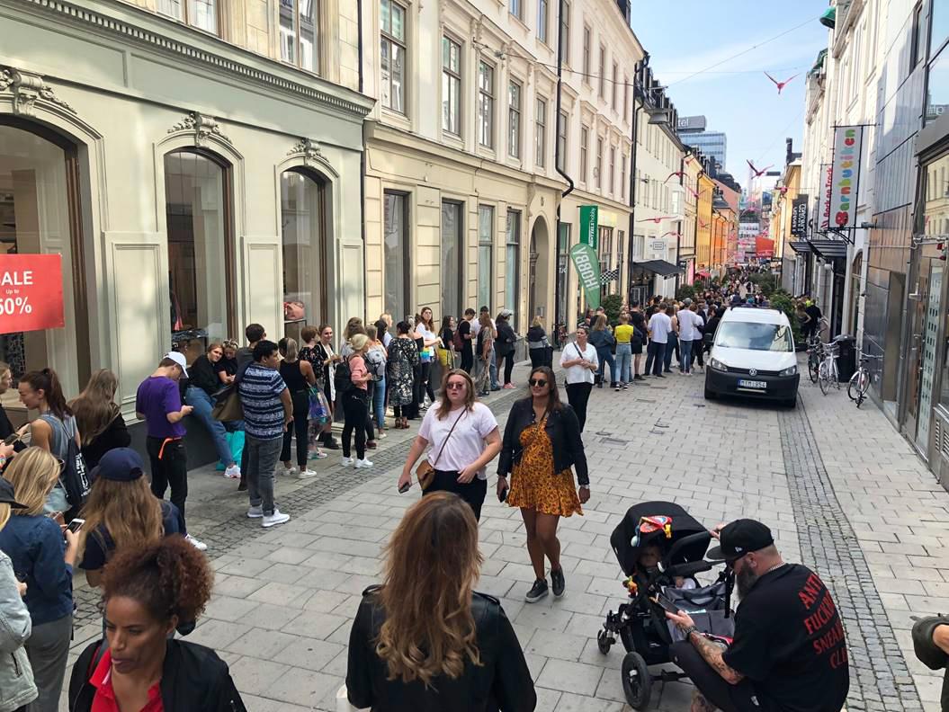 Succé för Junkyards nya butik - hundratals köade