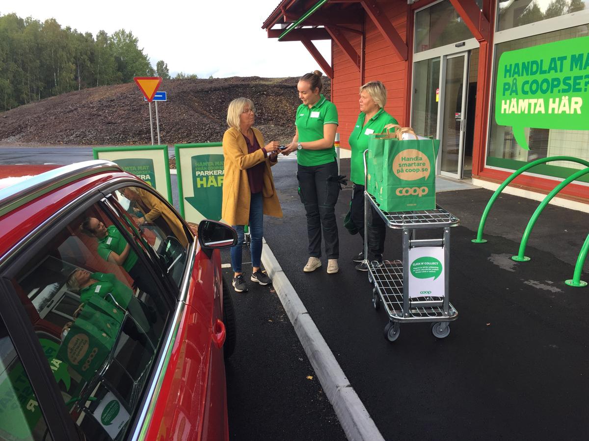Paketskåp och drive-thru när Coop lanserar utlämning i butik