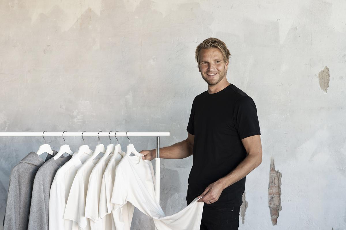 Har jobbat med mode i 20 år - lanserar nu egen e-handel
