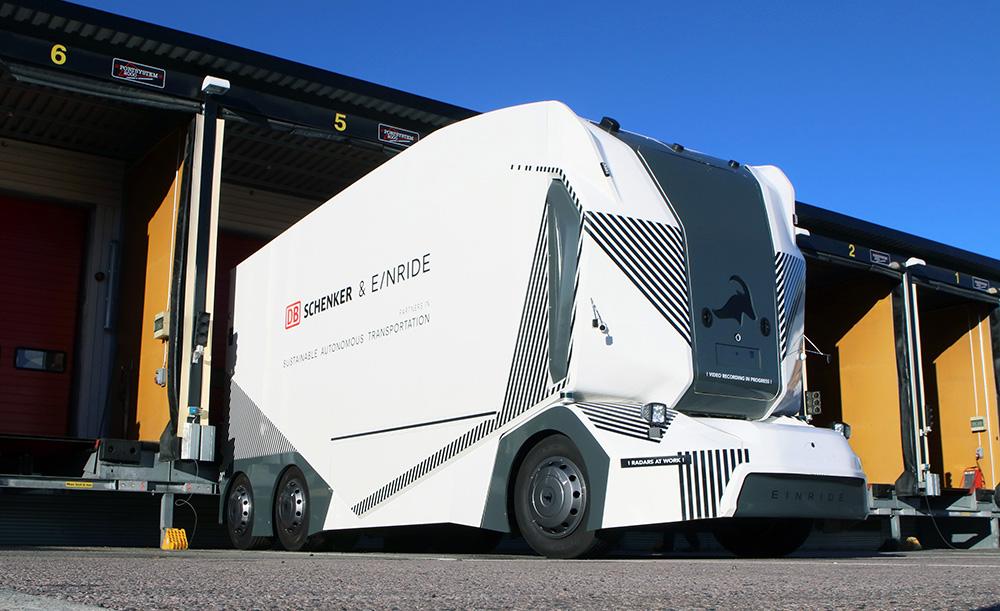 Schenkers självkörande lastbil kör nu runt i Jönköping