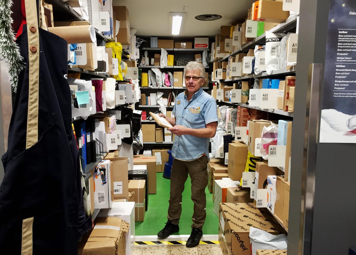 """Ombudet snittar 400-500 paket om dagen: """"Nu är det fullt"""""""