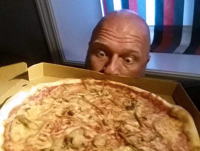 Nytt rekord: Sålde över en pizza i sekunden
