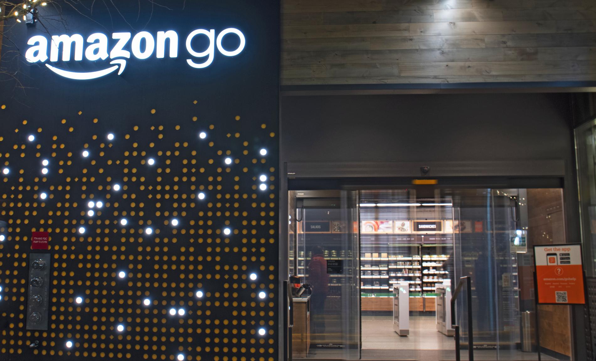 Första Amazon Go-butiken utanför USA