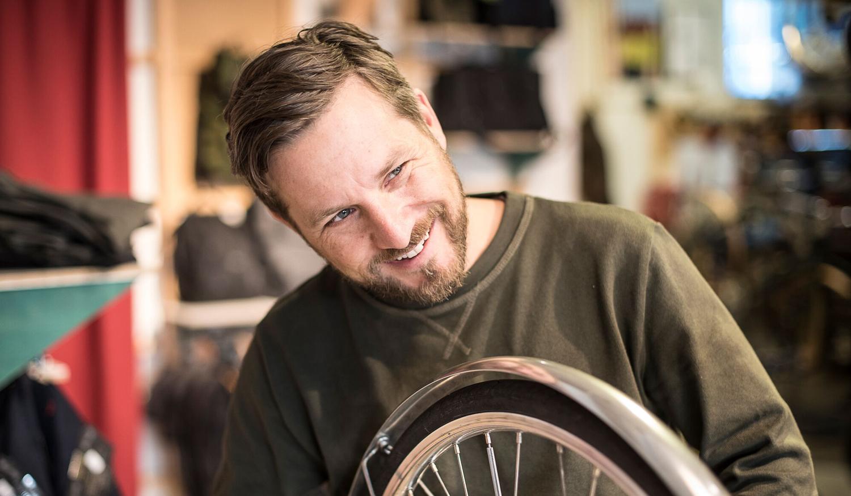 Cykelbolagets investerare, vänner och familj får hjälpa till