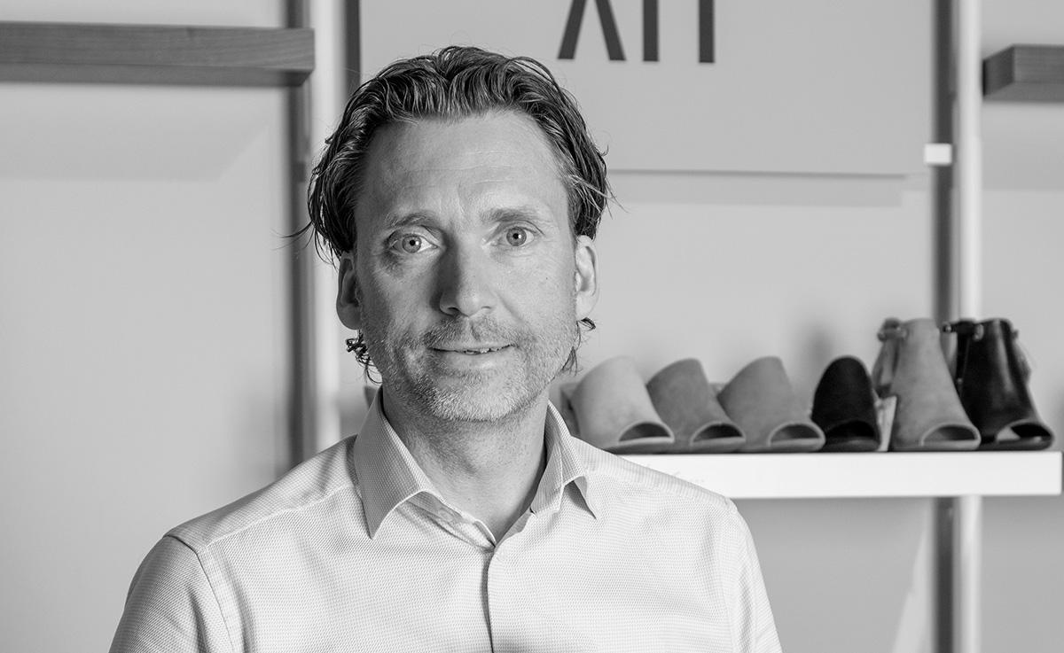 Svenska skojätten satsar på online-marknadsplatser