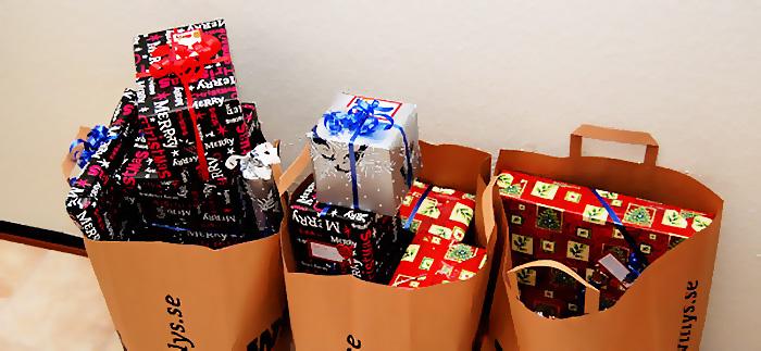 Varannan svensk kan tänka sig sälja sin julklapp