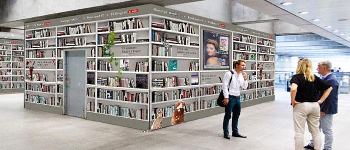 Danmarks största bokhylla finns i tunnelbanan