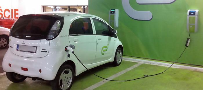 Konsumenterna är redo att köpa sina bilar på nätet