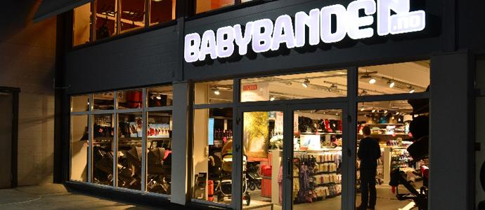Komplett köper in sig i babybranschen