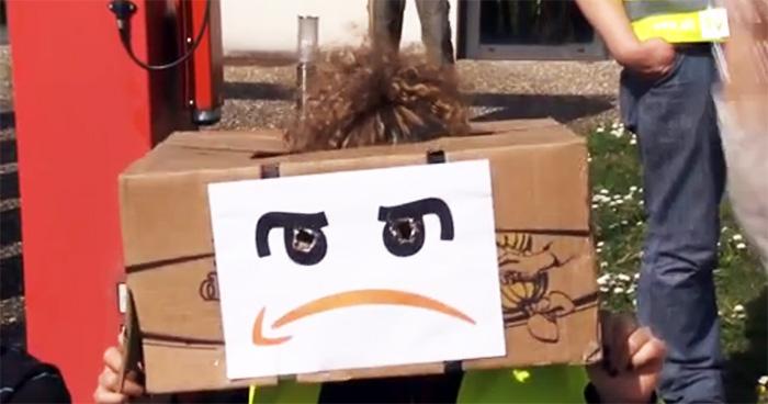 Tyska lagerarbetare går ut i strejk mitt i julhandeln