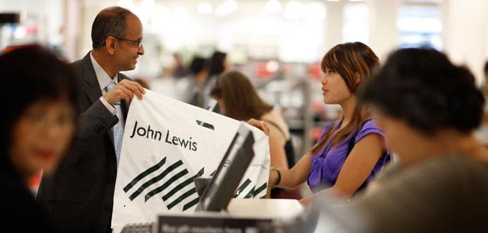 Varuhuskedja tar betalt för upphämtning i butik
