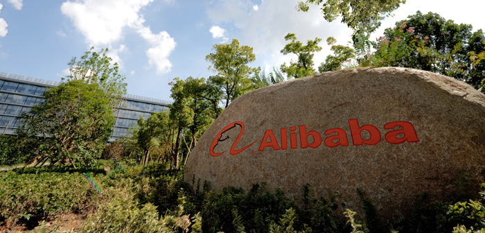 Alibaba nyrekryterar inför global expansion
