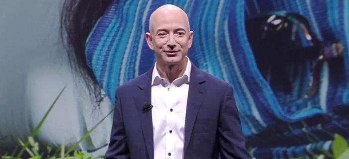 Jeff Bezos cashar in en halv miljard dollar