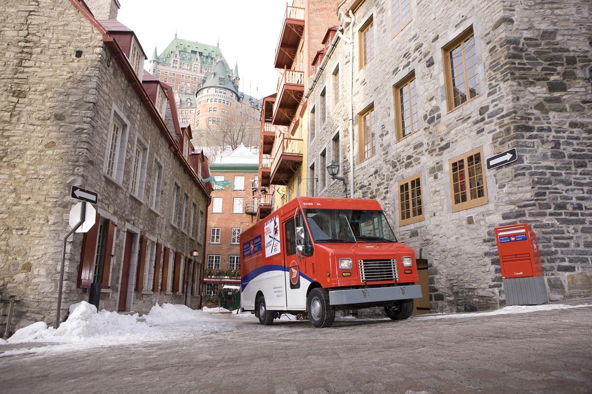 Canada Post laddar för rekordjul med 3 400 paket i minuten