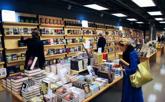 Adlibris slår upp porten till bokaffär i Stockholm