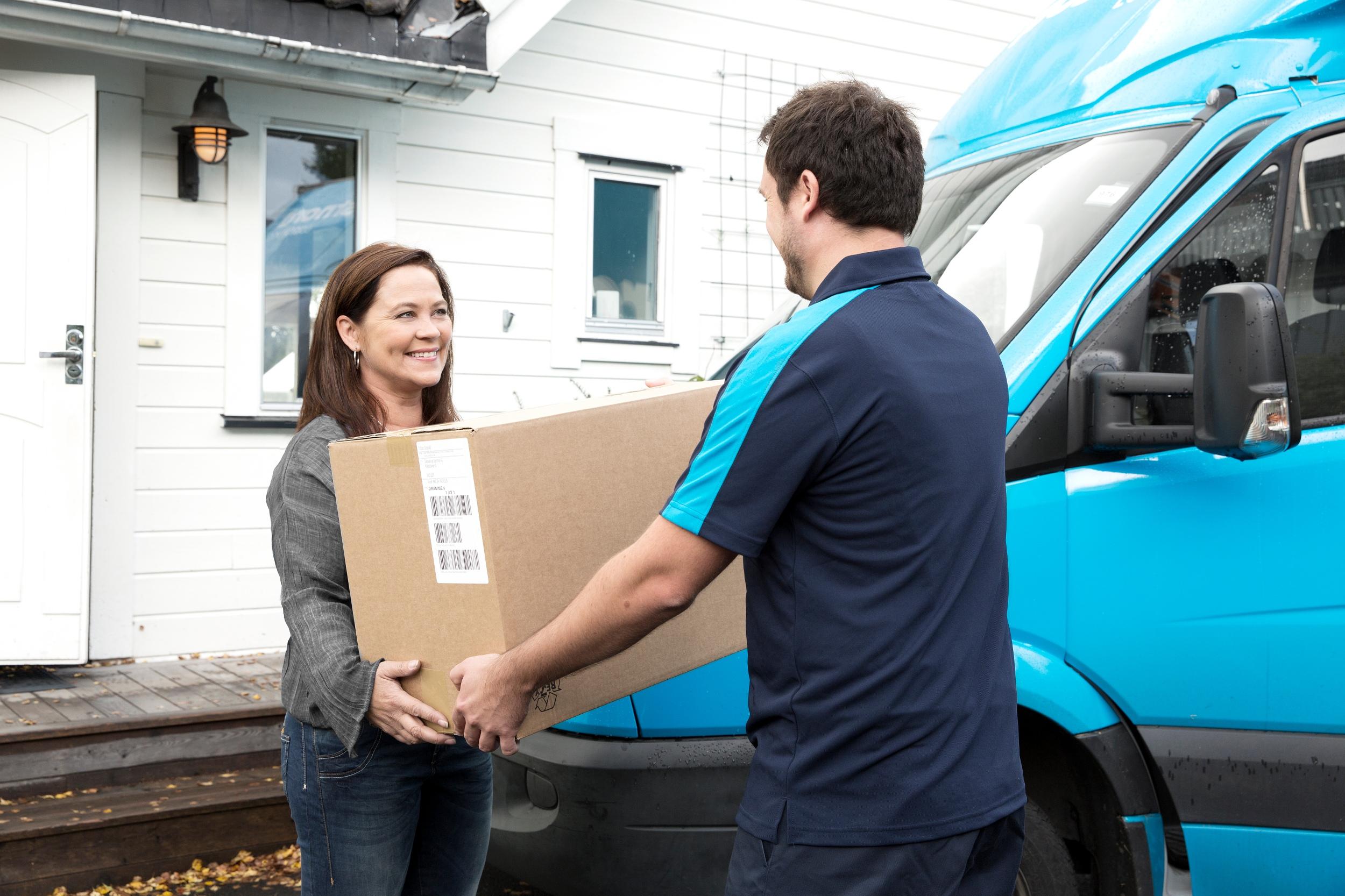 PostNord planerar tajtare hemleveranser även i Sverige