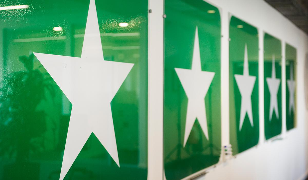 Expert: Butiker som betalar Trustpilot får bättre betyg