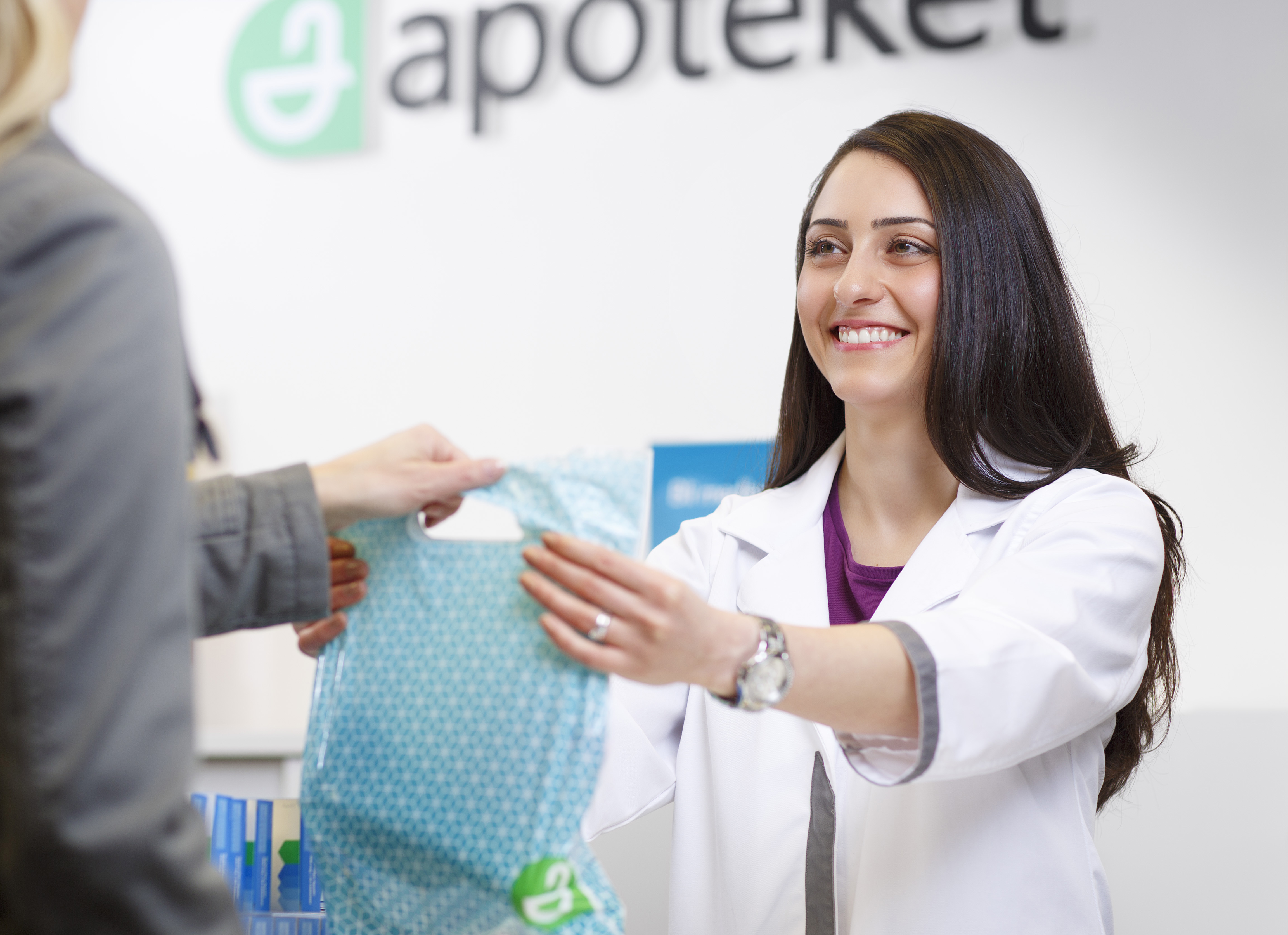 Fysiska apoteken tar upp kampen med Apotea