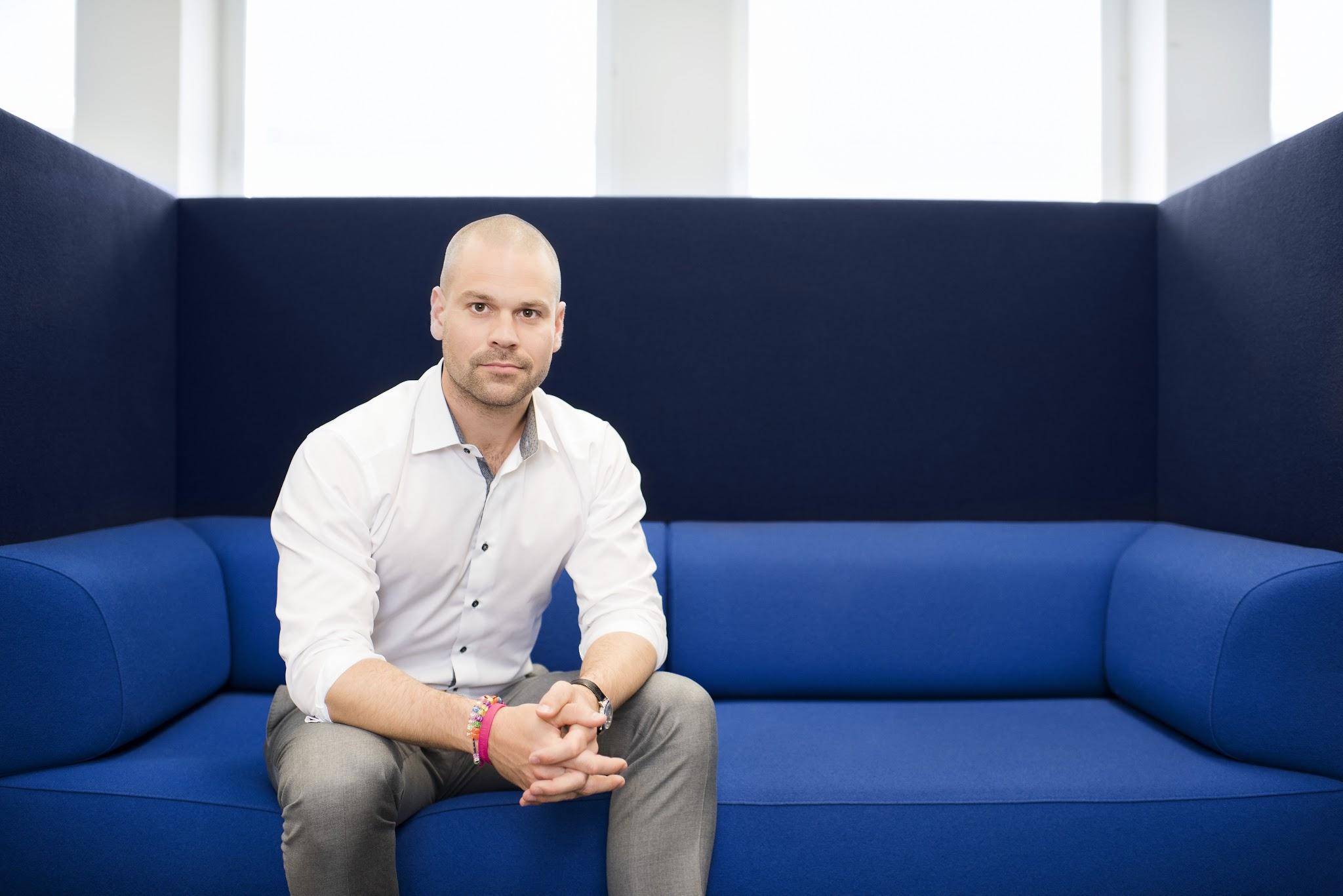 Wellstreets första investering inom e-handel blir Storebadge