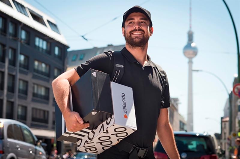 Adidas först ut när Zalando integrerar fysiska butiker