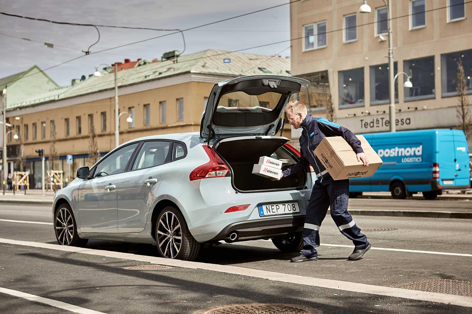 """""""Stelt"""" med utlämningsställen - erbjuder leverans till bil"""