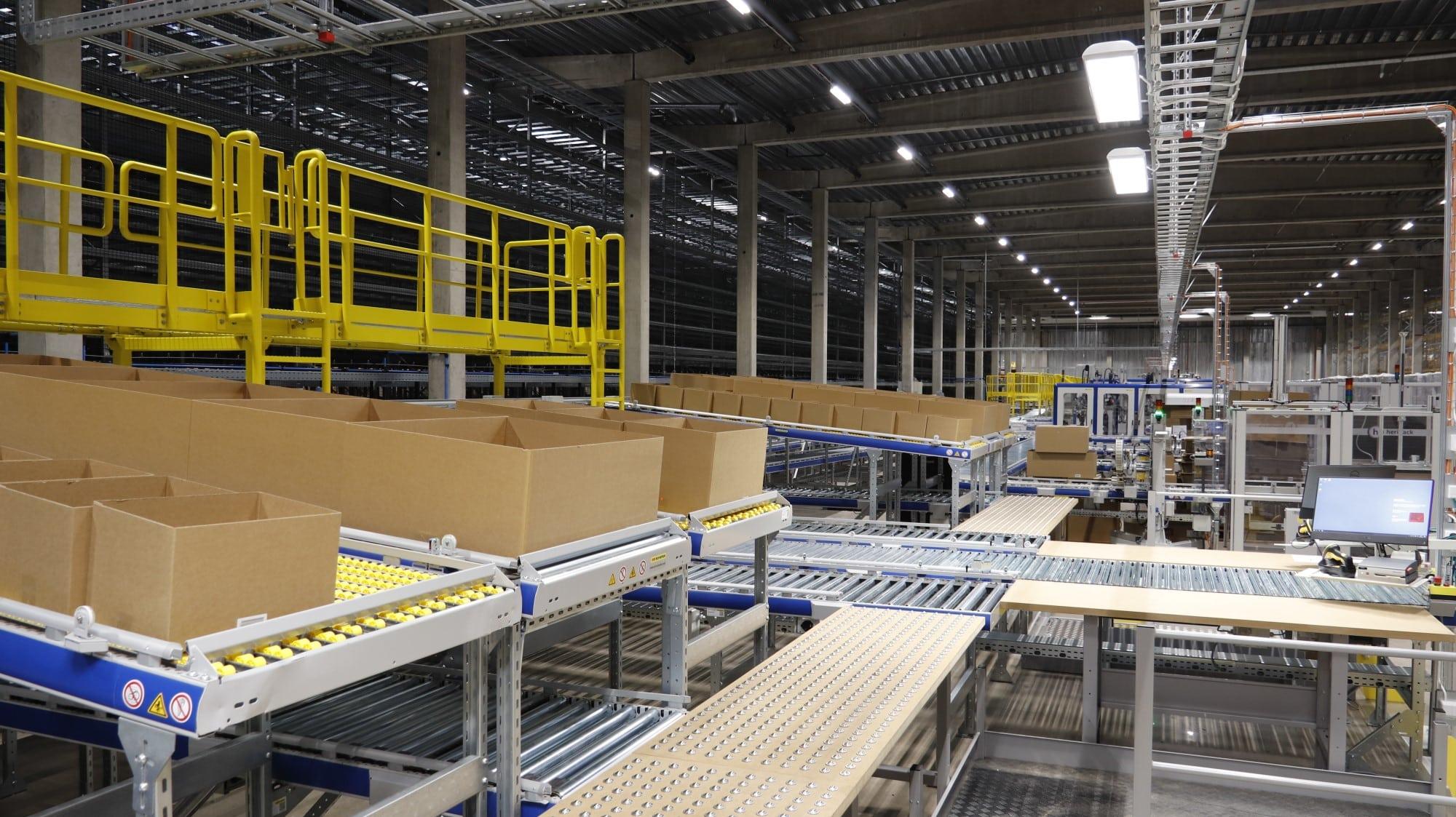 IKEA satsar på snabba leveranser – inviger automatiserat lager