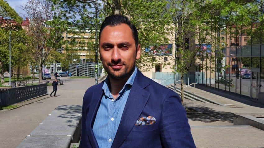 Tirdad Zadeh, e-handelschef på Blomsterlandet